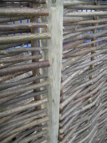 "DIA WOODEN FENCE FENCING POSTS ROUND 2.5/"" 5FT 6/"" 170cm 6cm LONG WOOD"