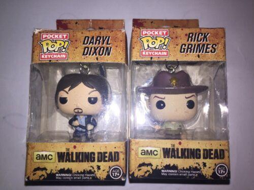 les deux Keychains The walking dead FUNKO Pop Vinyle Figurines Daryl et Rick
