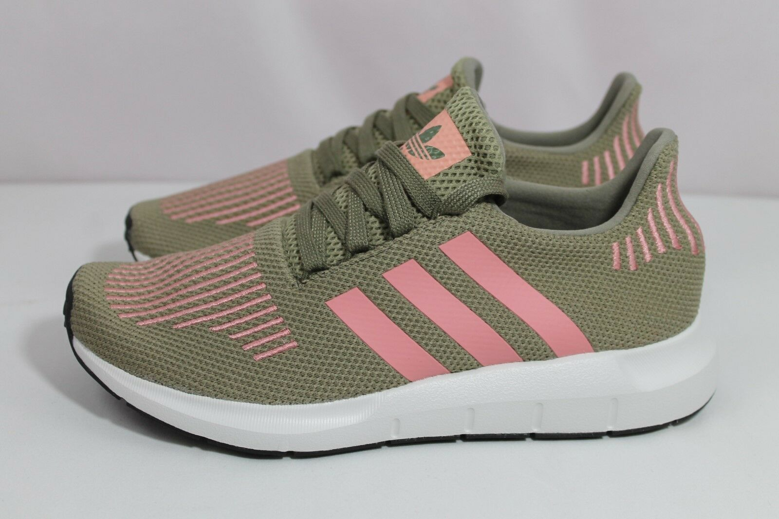 Adidas Women's Swift Run Trace Cargo/Trace Pink Sneakers CG4142 Sz 7