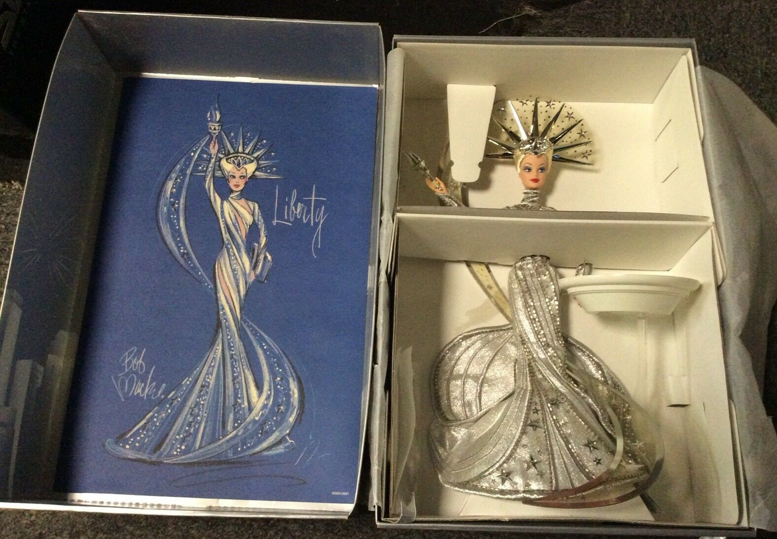 Muñeca Barbie LADY LIBERTY edición limitada de Bob Mackie para FAO negro MIB