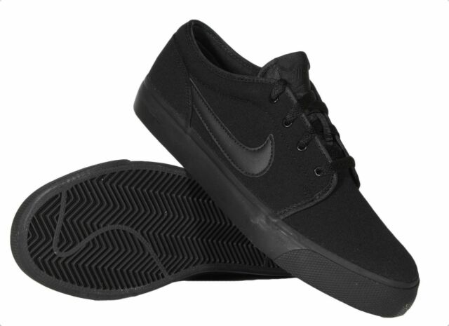 NIB Nike Toki Low Canvas Boy/'s Youth Skate Basketball Sneakers Black Sizes