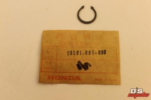 NOS New Honda ATC70 CR80 CL70 CRF250 /& More Outer Circlip 17mm 90601-001-000