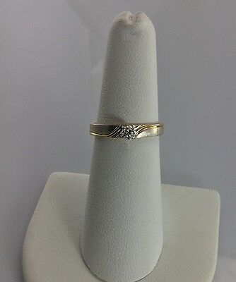 14K Solid Gold Solitaire Diamond Ring .13 CT Size 6.25