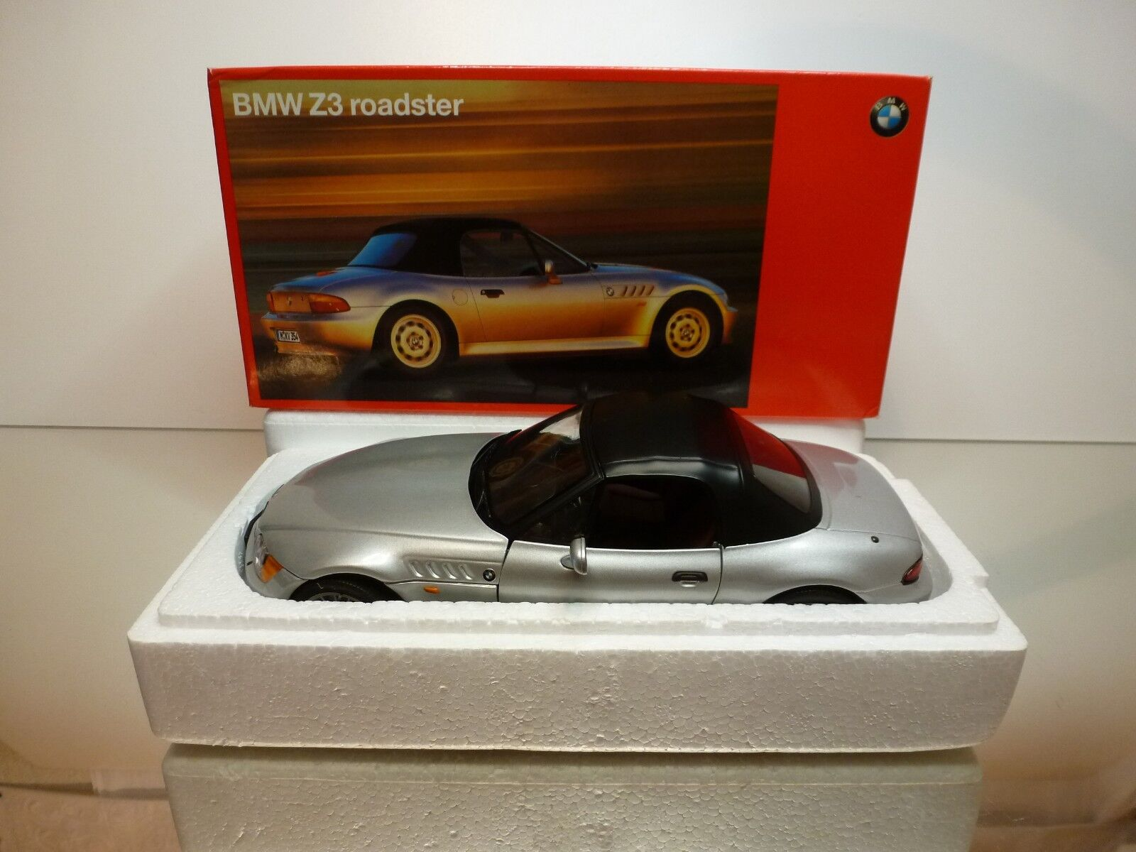 UT MODELS BMW Z3 ROADSTER - SOFT TOP - METALLIC 1 18 - EXCELLENT IN BOX