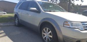 2008 Ford freestyle SUV (S.E.L) 2500$.
