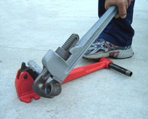 """NEW FOOT VISE /& PIPE WRENCH 1//2/""""-1-1//4/"""" RIDGID 300 700 141 161 Pipe Threader 811"""