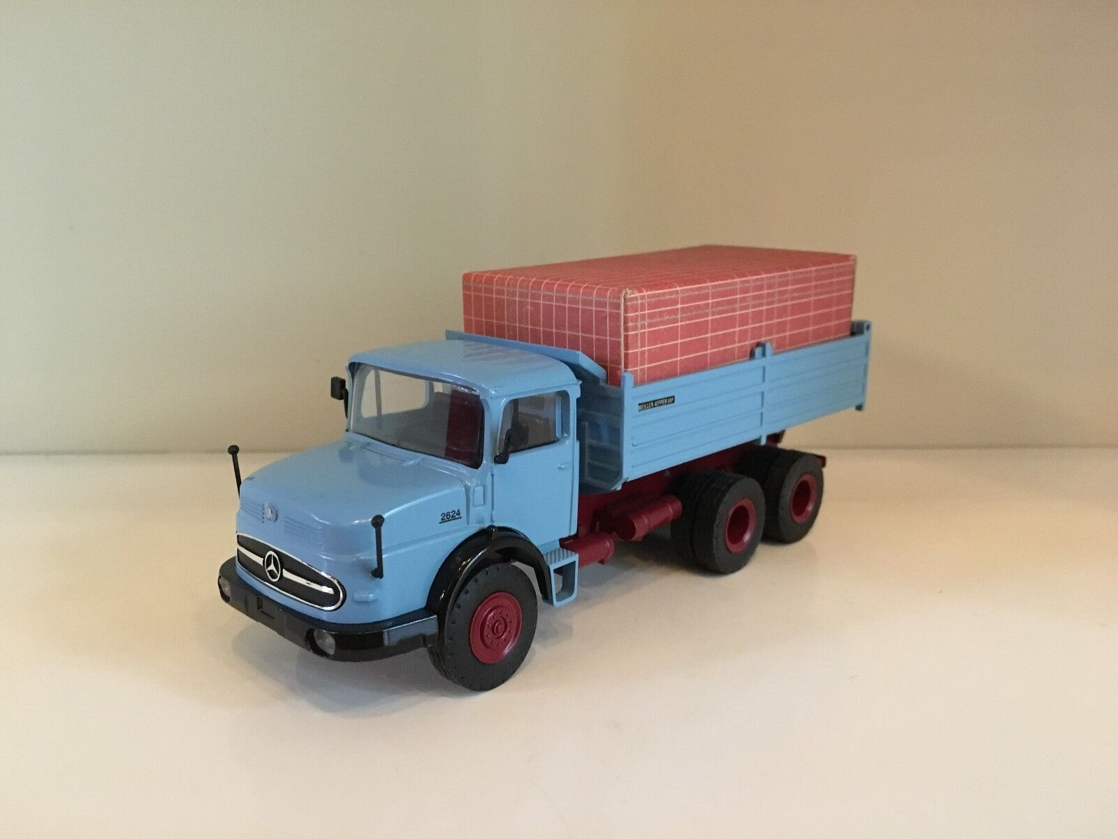 Mercedes Benz LAK 2624 6x6 Tipper bluee by NZG 427 1 50