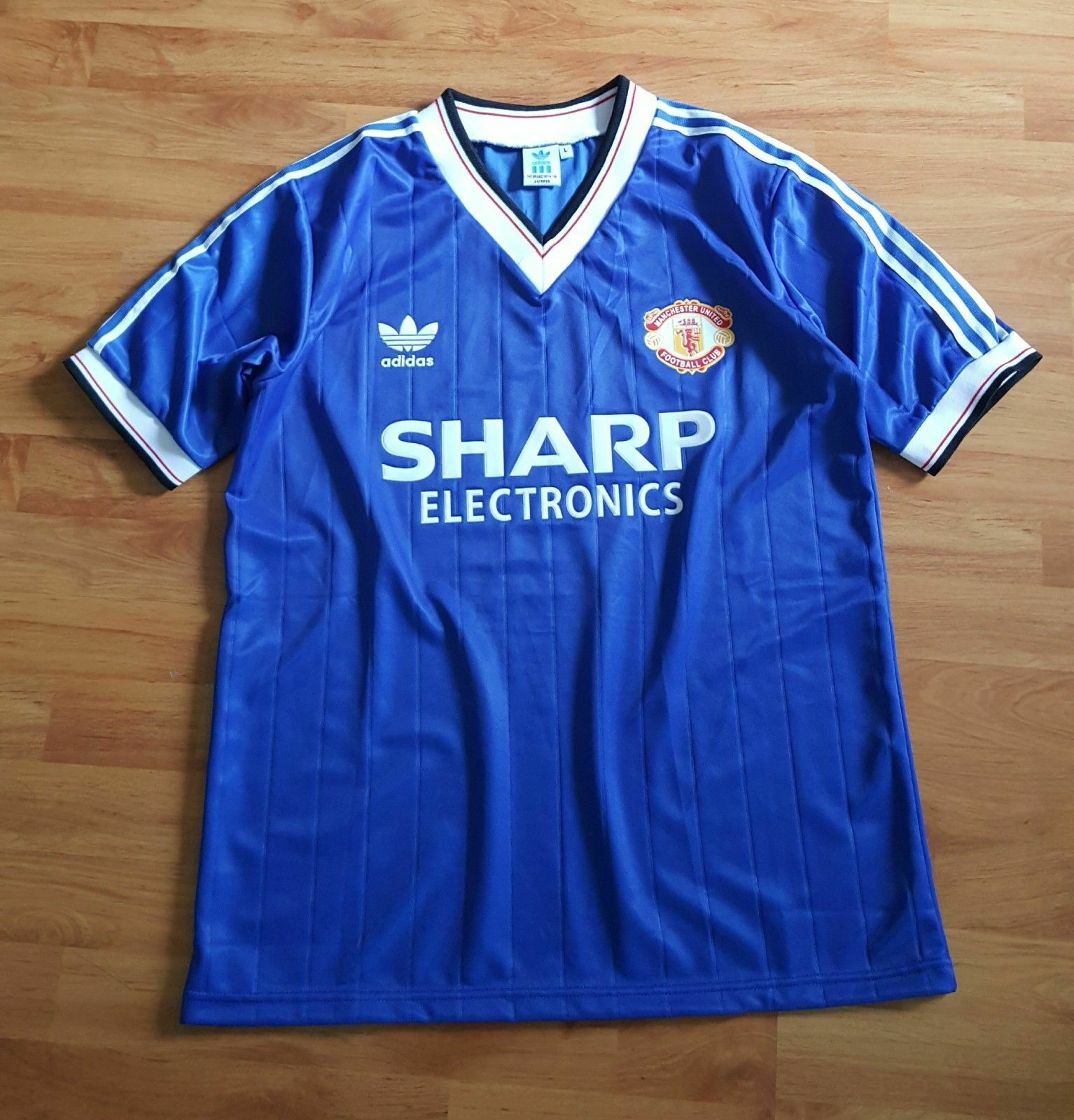 edec24f585f9 MANCHESTER UNITED Away SHARP bluee 1982 Shirt Size L (44 29inch ...
