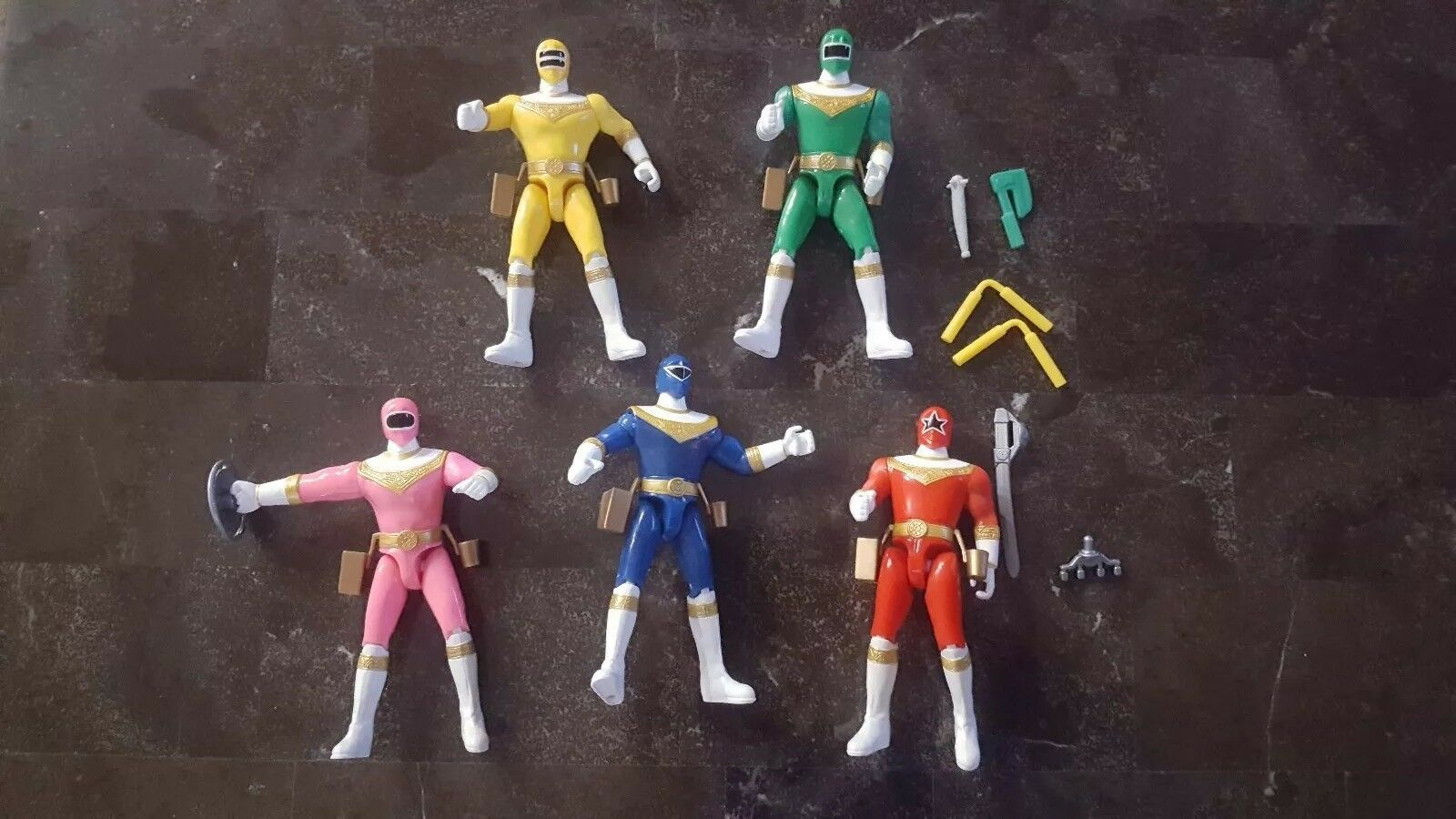 1996 Mighty Morphin Power Rangers Lot of 5  5.5  Action Figures some weapons