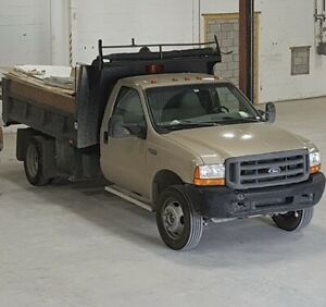 Dompeur Ford F-550 1999