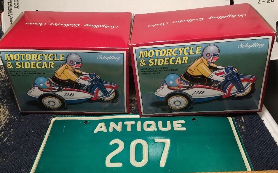 2 VTG SCHYLLING Motorcycle & Sidecar w  Riders METAL TIN WIND-UP TOY NOS MIB Lot