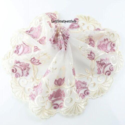 D011 19cm 1,80 m de Dentelle brodée sur voile Fleur vieux rose crème COUPON