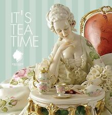 Capodimonte porcelain. Large Lady Reading, Version dress decorated