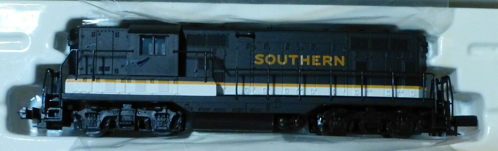Atlas N GP-7 Ph. Ph. Ph. 2 Southern No No D B (Locomotive) DC 867c7d