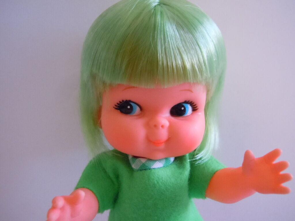 Súper rara década de 1960 Japón Shiba era grandes ojos Muñeca Kiddle. kiddlie knits Libro