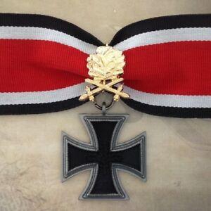 1939-1957-GERMAN-KNIGHT-039-S-CROSS-W-GOLD-OAK-LEAVES-REPLICA-ARMY-WWII