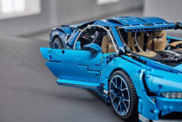 Technic Bugatti Chiron 3599 pieces - NOT Lego - NEW COMPATIBILE 42083 WITH BOX
