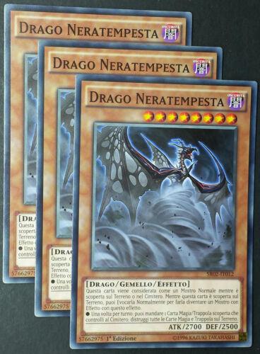 Set 3X DRAGO NERATEMPESTA Darkstorm Dragon SDBE SR02 Comune Italiano YUGIOH