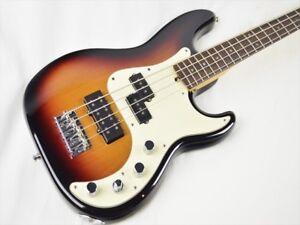 Fender-USA-American-Deluxe-Precision-Bass-beautiful-rare-EMS-F-S