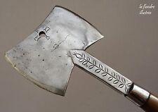 antique et robuste hachoir de boucher en fer forgé 19ème décoré