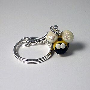 bee-keyring-cute-handmade-xmas-gift-glow-in-the-dark-glitter-wings
