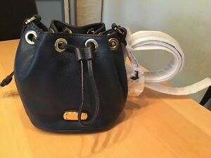 michael kors tasche jules small bag beutel blau echtleder. Black Bedroom Furniture Sets. Home Design Ideas