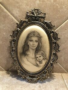 Silk Art Wall Decor Brass Looking Cut Design Frame Mother And Daughter