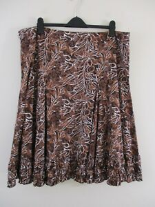 South-skirt-plus-size-22-Bnwt-Pleated-panels-Browns-with-various-floral-print