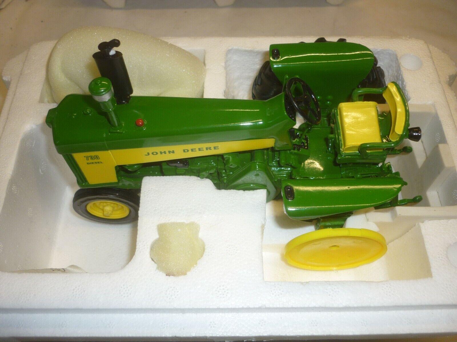 Un modelo de Danbury Mint de un reloj de John Deere Tractor de granja, sólo en caja de poliestireno