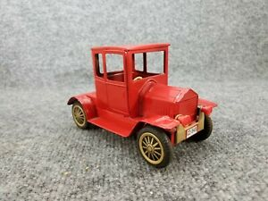 VINTAGE-TIN-LITHO-FRICTION-MODEL-T-FORD-TOY-CAR-JAPAN
