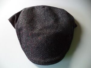 8f39b138b52f0 Men s Irish Tweed Touring cap Blue Hanna hat hand made in Donegal ...