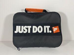 apelación Numérico Peluquero  Nike Just Do It Calcomanía Fuel Pack Caja de Almuerzo Con Aislamiento Negro  Bolsa de merienda | eBay