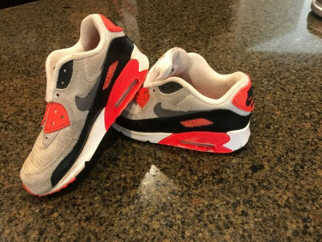 NIKE Air Max 90 Sneakers SIZE 1.5 Youth (724883 100)