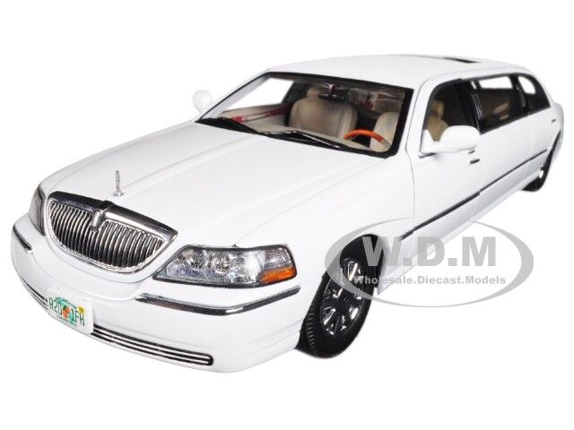2003 Lincoln Town Car Limo Limousine Vibrant White 1 18 Diecast By