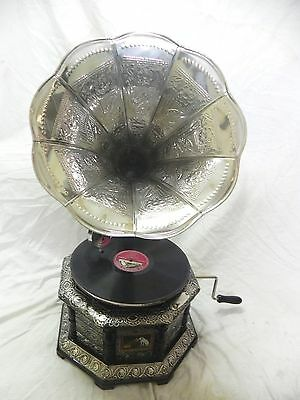 ANTIQUE OCTAGONAL GRAMOPHONE PHONOGRAPH CRAFTED MACHINE WITH CRAFTED STEEL HORN