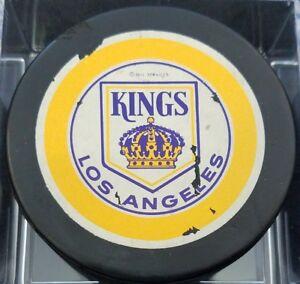 VINTAGE LOS ANGELES KINGS LA NHL OLD VICEROY  CANADA HOCKEY PUCK hole backside
