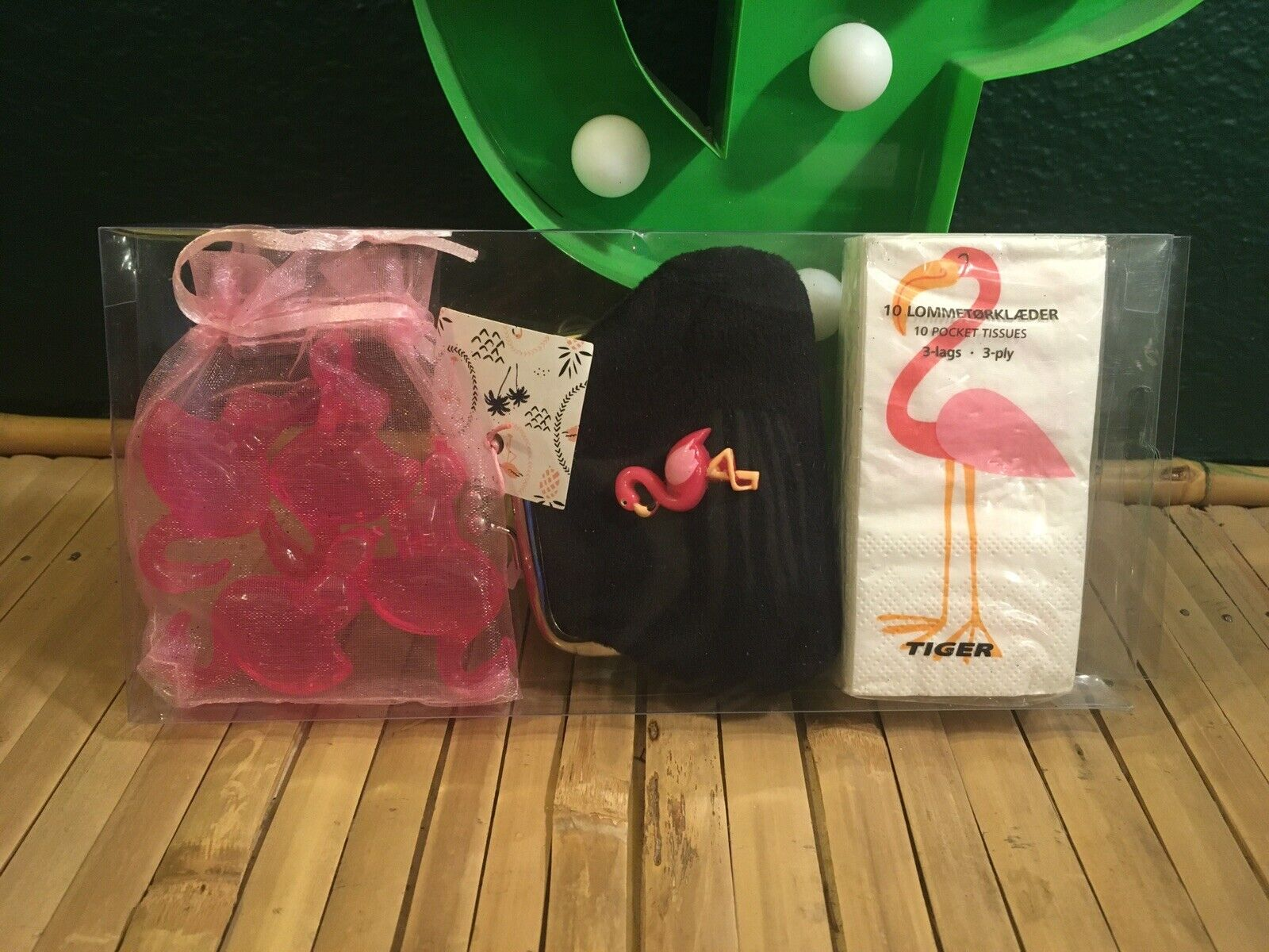 Fab Flamingo Purse +Tissues Pack +4 pack Shaped Ice Cubes 3pc Boxed Gift Set