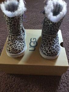 UGG-Australia-Toddler-Exotic-Bailey-Bow-II-Boots-Size-6-NEW-NIB