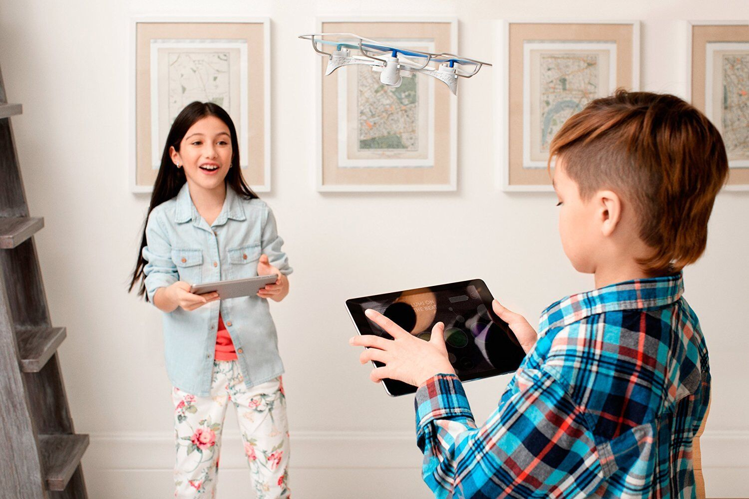 WowWee Lumi Gaming Drone So Easy Anyone Can  Fly blutooth nuovo  a prezzi accessibili