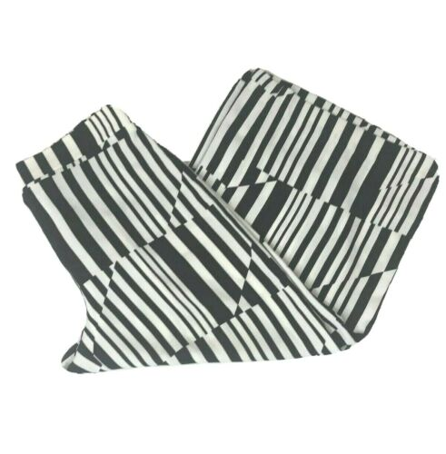 Chicos 0.5 Crop Polyester Black White Geometric Wi