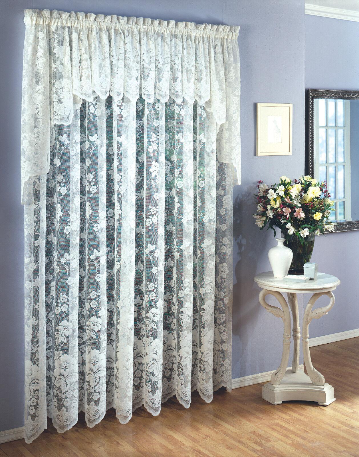 Seis (6) paneles de encaje floral de Vid, cada 60 x84  Marfil