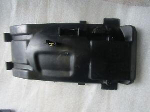 Yamaha-FZR-600-3HE-Wheel-Covering-Fairing-Rear-Wheel-Thread-Mud-Guard