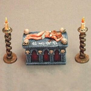 03408 Victim on Spit DHL Metal Reaper Miniatures