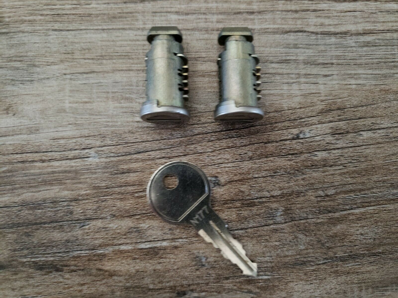 N141 Single Thule Car Rack Replacement Lock Cylinders
