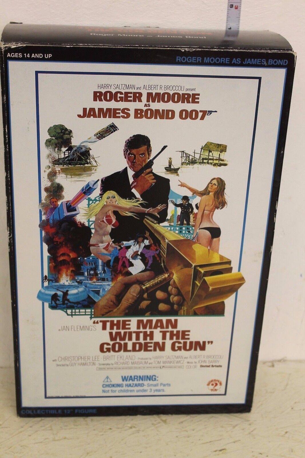 Sideshow el hombre con la pistola de oro  figura de James Bond  12in
