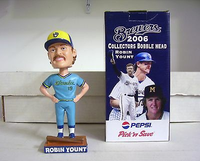 differently 69276 42d6d Robin Yount Milwaukee Brewers POWDER BLUE UNIFORM 2006 ...