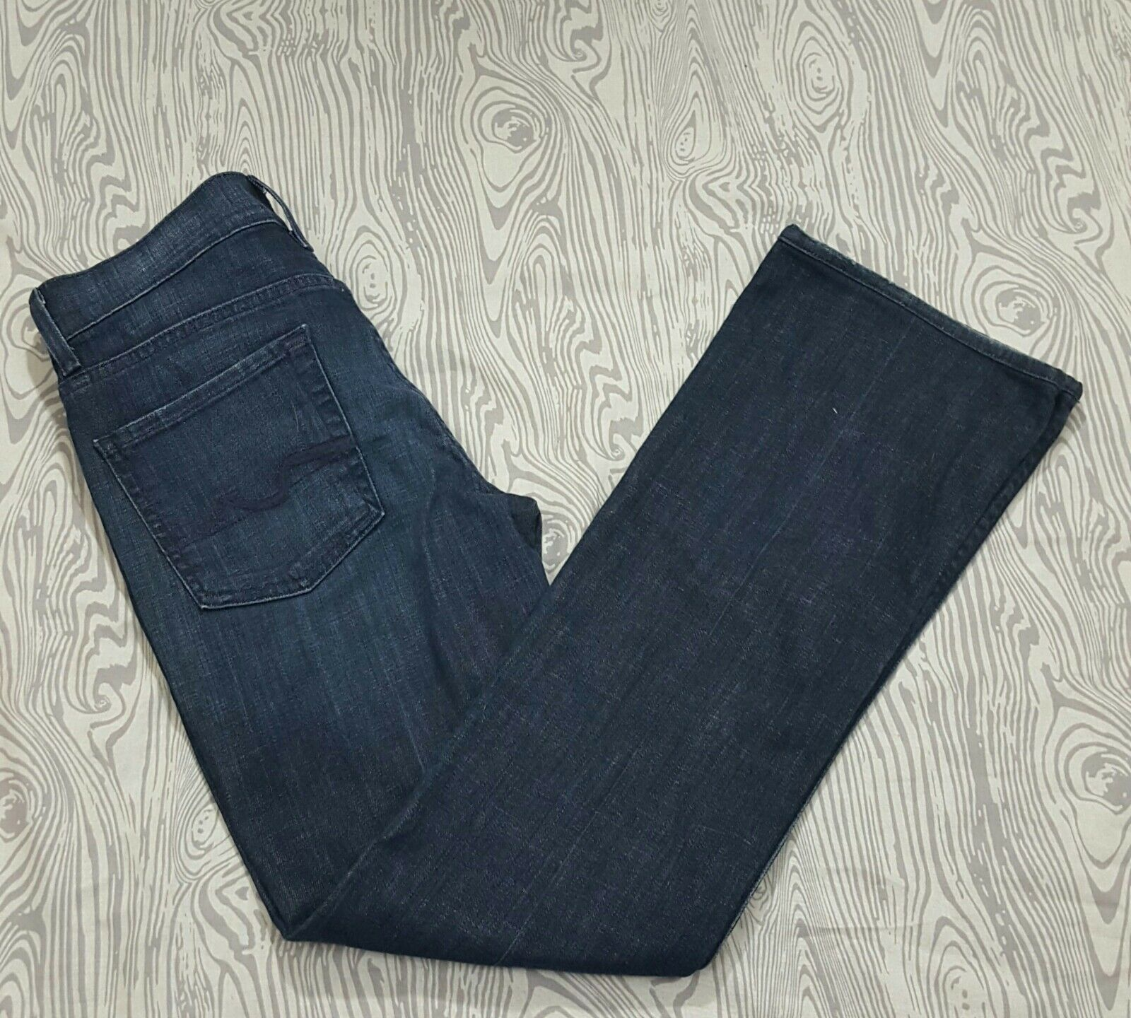 Women size 27  7 for all Mankind high waist Bootcut Jeans Dark Wash