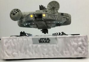 Star-Wars-Floating-Millennium-Falcon-EA-020-Egg-Attack-2016-Magnetic-Model-Mint