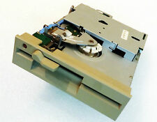 Chinon 5,25 Zoll Diskettenlaufwerk - FZ506, Beige