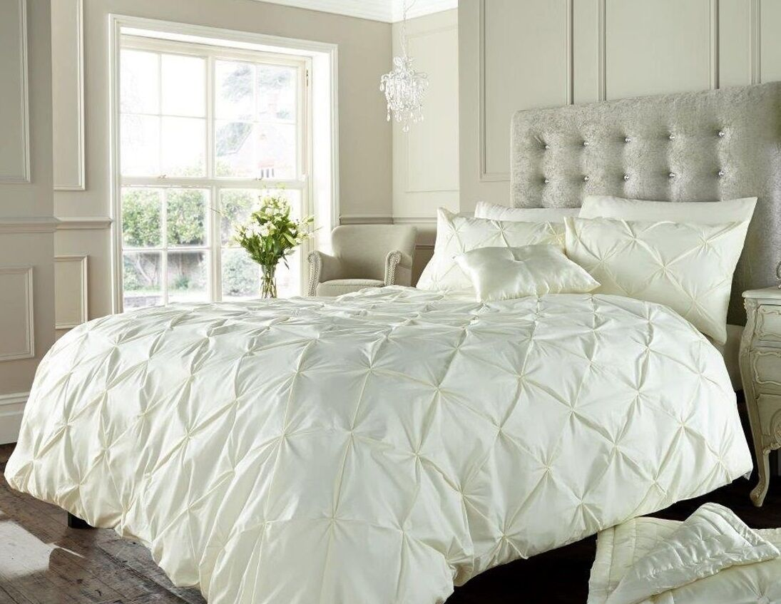 New Luxury Alford Cream Quilted Duvet Cover Bed Set With 2 Pillowcases King Size